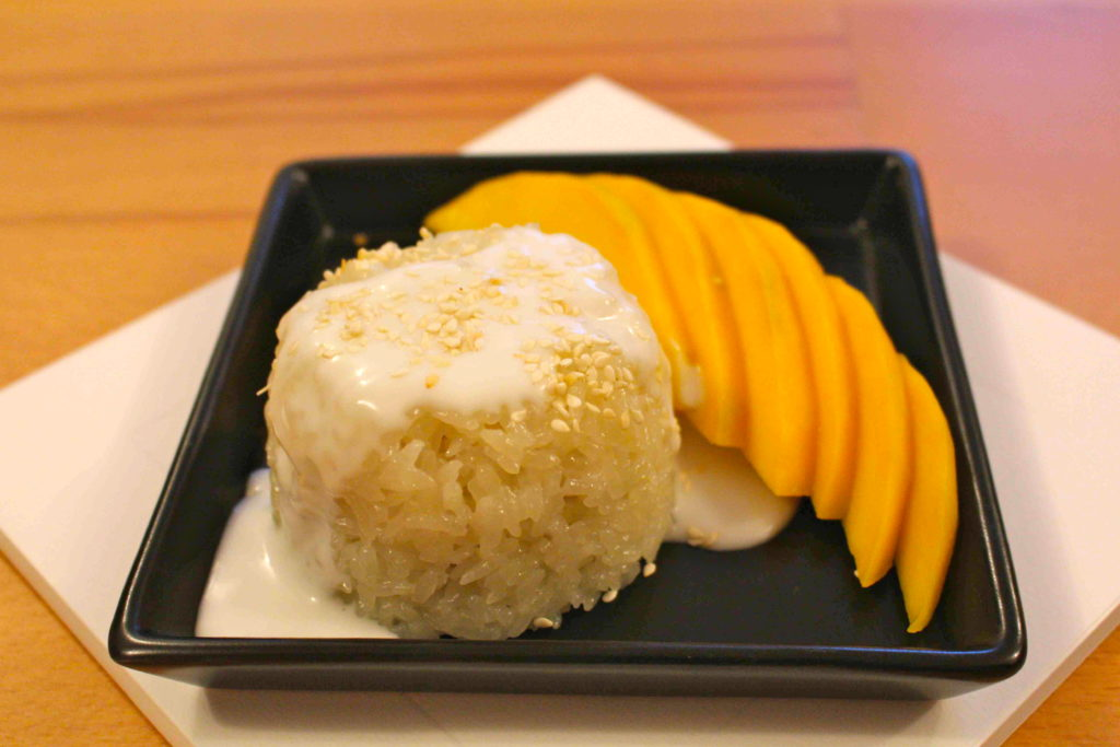 how to cook sticky rice with mango